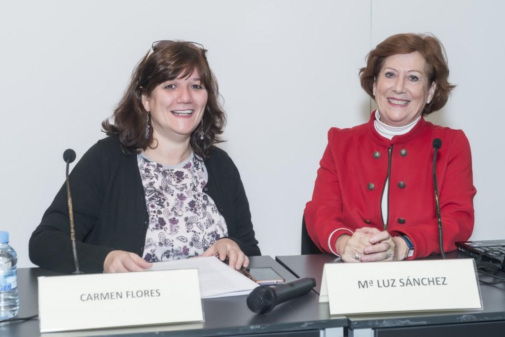 La psicóloga, mediadora y pedagoga Mariluz Sánchez con Carmen Flores, vicepresidenta de UNAF, durante la Jornada de Mediación Educativa.